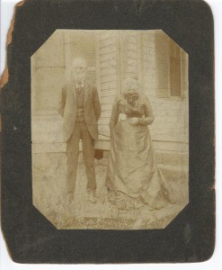 Thomas S Calhoon and Hariet Amanda ca 1900 (Anna L and John F Nash Collection)