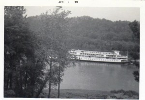 Delta Queen at Georgetown Apr 1959